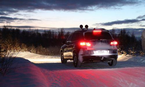 AMZS test 32 zimskih pnevmatik dveh dimenzij