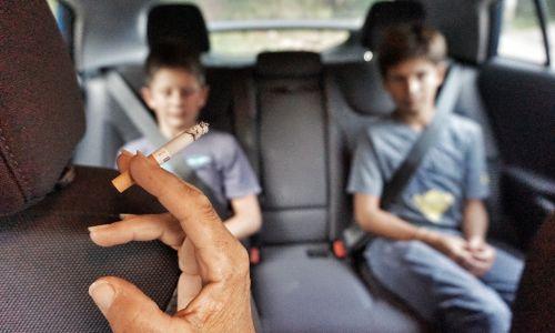 Škodljivo kajenje v avtomobilu