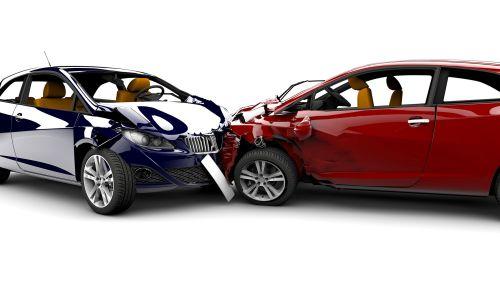 Pravni nasveti: Kako ukrepati ob prometni nesreči?