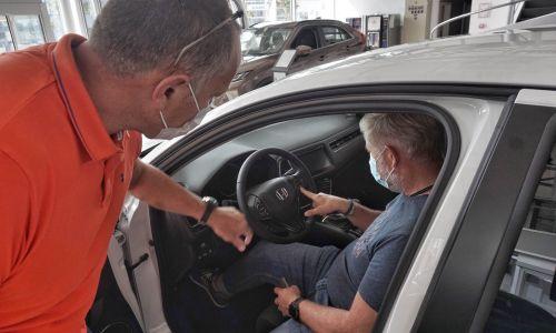 Trg: Preverili smo iskrenost in znanje prodajalcev v štirih avtomobilskih salonih