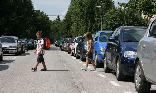 Otroci promet dojemajo drugače!