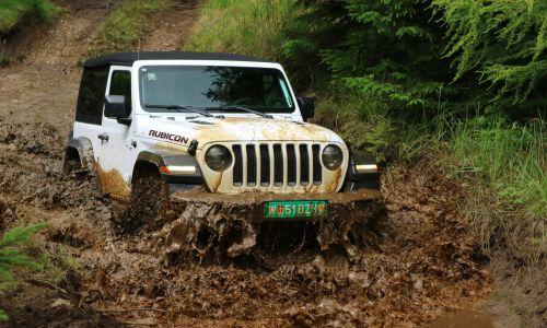 Za volanom: novi jeep wrangler