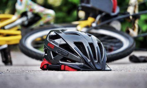 AMZS test kolesarskih čelad za odrasle