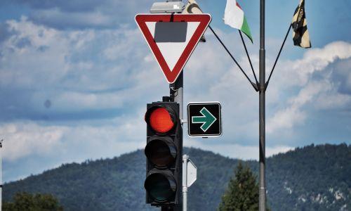 Šola dobre vožnje: Nova pravila za več varnosti?