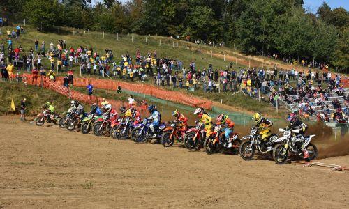 Znan koledar dirk pokalnega in državnega prvenstva v motokrosu
