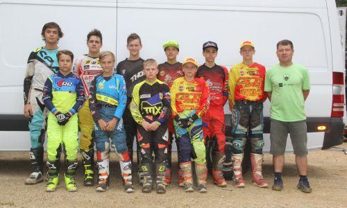 Slovenska izbrana vrsta mladincev pripravljena na svetovno prvenstvo v motokrosu
